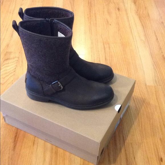 39d2b742639 Women ugg Robbie waterproof wool boots 8.5 new